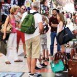 Rus  ve Alman turistler para harcamaya başladı
