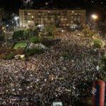 Onbinler ayaklandı! Hedefte Netanyahu var