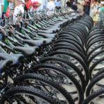 Sabah namazına gelen çocuklara hediye bisiklet!