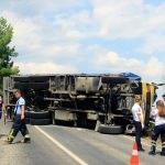 Muğla'da kamyon devrildi: 1 ölü