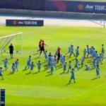 ManU'lu futbolcular ve Mourinho 100 çocuğa karşı!