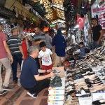 Çarşı ve pazarda bayram yoğunluğu
