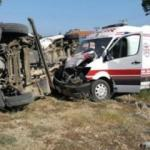 Ambulans ile minibüs çarpıştı: 4'ü Rus 7 yaralı