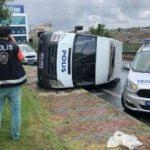 Başakşehir'de polis aracı devrildi