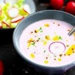 Yaz sıcaklarına birebir pembe soğuk turp çorbası