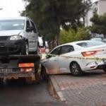 Kaza yapan otomobilde bıçaklanmış cesedi bulundu!