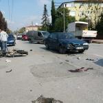 Sakarya'da motosiklet otomobile çarptı: 1 ölü, 1 yaralı