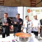 Cumhurbaşkanlığından Edirne'de vatandaşlara aşure ikramı
