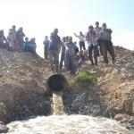 """""""Kiraz'ın kanalizasyonu 25 yıldır köyümüzün içinden akıyor"""""""