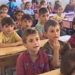 Afrinli çocuklar okula başladı