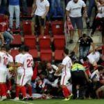 Eibar-Sevilla maçında tribün çöktü! 14 yaralı...