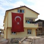 Tosya'da Kıbrıs gazisine ev yapıldı