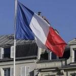 Fransa sınır kontrollerini yeniden uzatıyor