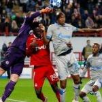 Schalke Moskova'dan çıktı! Lokomotiv çöküşte...