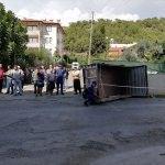 Antalya'da kamyonetin çarptığı 3 kişi yaralandı