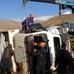 Niğde'de kamyon şarampole devrildi: 1 ölü