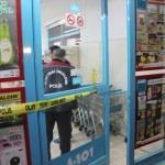 Konya'da bıçaklı soygun girişimi güvenlik kamerasında