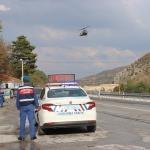 Kütahya'da jandarmadan helikopterle trafik denetimi