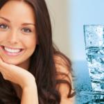 Su içerek nasıl kilo verilir? 1 haftada 7 kilo zayıflatan su diyeti! Kiloya göre su içme oranı