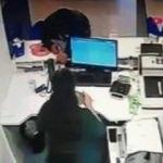 Sancaktepe'de banka soygunu! Kameraya takıldılar