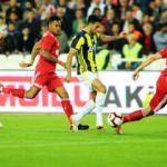 Fenerbahçe Sivas'ta direkten döndü!