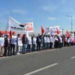 İşten çıkarılan işçiler eylem yaptı