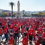İzmir'de bisikletliler Cumhuriyet turu attı