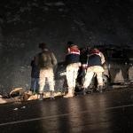 GÜNCELLEME - Van'da düzensiz göçmenleri taşıyan minibüs şarampole yuvarlandı