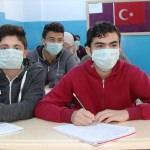 """Lösemi hastası çocuklara """"maskeli"""" destek"""