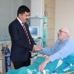 Sarıkaya Kaymakamı Özcan'dan hastane ziyareti