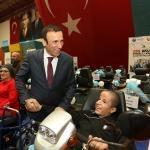 Samsun'da engellilere 255 akülü araç dağıtıldı