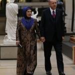 Emine Erdoğan'ın elbisesinde Osmanlı detayı!