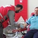 Abdullah Avcı ve futbolcular kan bağışladı