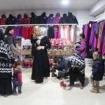 Afrin'de ihtiyaç sahiplerine kıyafet yardımı