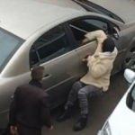 Arabaya binmeyen genç kadını sürüklediler