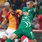 Muğdat Çelik Galatasaray'da ilki yaşadı