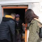 Haluk Levent'ten hindileri çalınan kadına yardım eli