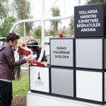 Kazada ölen bisikletli genç için anıt