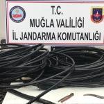 Muğla'da telefon direklerinden kablo çalan 3 kişi suçüstü yakalandı