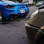 Yoksul genç 4 Ferrari'ye çarptı