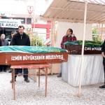 İzmir'de öldürülen çift toprağa verildi