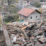Safranbolu'da tehlikeli yapılar yıkıldı