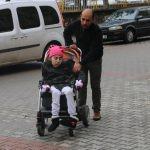 Siirt'te engelliye akülü sandalye