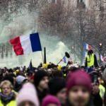 Fransa'da 8'inci hafta: Sarı Yelekliler sokakta!