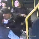 Minibüste kızının taciz edildiğini iddia eden anneden yumruk!