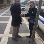 Zabıta ekipleri yolda düşürülen cüzdanı sahibine ulaştırdı