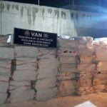 Edremit'te 175 bin paket kaçak sigara ele geçirildi