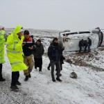 Şanlıurfa'da öğretmenleri taşıyan minibüs devrildi: 6 yaralı