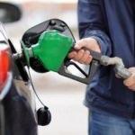 Akaryakıt zammı enflasyonla mücadeleye zarar veriyor