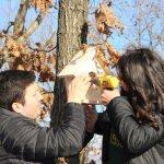 Liselilerden kuşlara sıcak yuva